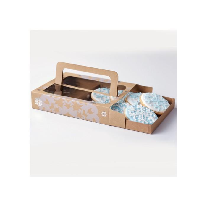 Caja para dulces con ventana decoradas con copos de nieve - Wilton