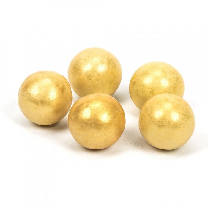 Bolas doradas de chocolate